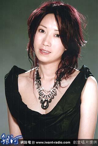 琼瑶的年轻照 琼瑶本人年轻时照片 归亚蕾年轻琼瑶剧照图片
